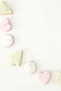 hello naomi: christmas wrap up! | pastel cookie garland