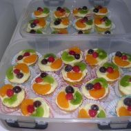 Pudinkové košíčky s ovocem recept Mini Cakes, Sushi, Waffles, Muffins, Food And Drink, Minis, Cooking Recipes, Pudding, Cupcakes