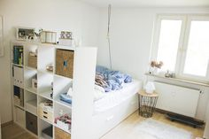 free room in a shared apartment in a shared apartment in Munich Obergiesing - Dorm Room Teal Girls Rooms, White Furniture, New Room, Apartment Design, Small Apartments, Girl Room, Room Inspiration, Room Decor, Kallax