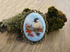 Needle felted brooch, needle felted brooch with embroidery, bird brooch, gift ideas, unique product, handmade jewelry