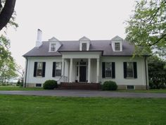 Thomson-Bradley House at 600 W. Main St., Georgetown, KY, built in 1815