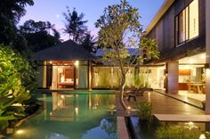 The stylish air of Villa Paya Paya exudes exotic opulence from every corner of the spacious 3 bedroomed villa.