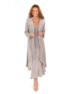 Photographs and details of ladies formal daywear design 17 from Ann Balon, Moda Italiana Mother Of Bride Outfits, Mother Of Groom Dresses, Mothers Dresses, Mother Of The Bride, Occasion Wear, Special Occasion Dresses, Robes D'occasion, Mob Dresses, Bride Dresses