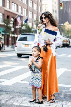 Street style à la Fashion Week printemps-été 2017 de New York : jus mère fille