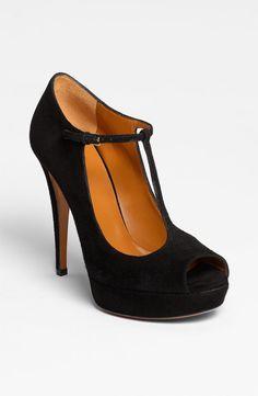 Great Gatsby inspired peep toe heels #swoon #ShowLOVE I gotta have em!
