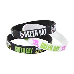 Green Day American Idiot Rubber Bracelet Set Hot Topic ($7) ❤ liked on Polyvore featuring jewelry, bracelets, green jewelry, american jewelry, green bangles, rubber bangles and rubber jewelry
