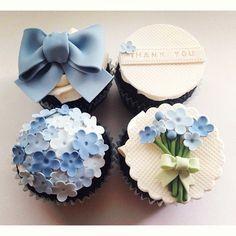 36 Ideas Cupcakes Wedding Fondant Flower For 2019 Fondant Cupcakes, Fondant Toppers, Cupcake Cookies, Cupcake Toppers, Cupcakes Design, Cake Designs, Mothers Day Cupcakes, Mothers Day Cake, Pretty Cupcakes