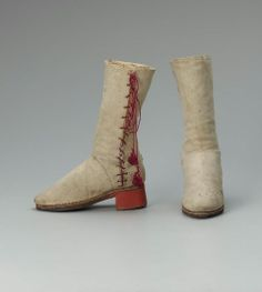 1550-1650, Italy - Boots - Suede and wood