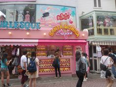 Hungry Belly Travels: 1 day suggested Itinerary: Tokyo. Stop for crepes in Harajuku! Click through for full itinerary!