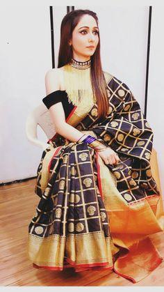 Oberois Designer Blouse Patterns, Designer Dresses, Designer Sarees, Indian Wedding Outfits, Indian Outfits, Saree Dress, Saree Styles, Indian Wear, Indian Style
