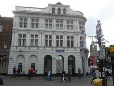 Description Sutton, Surrey London Barclays Bank building at historic ...