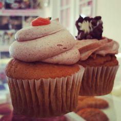 Pumpkin and Pumpkin Cannoli Cupcakes
