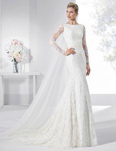 Vestidos de novia línea sirena realizado en tul bordado y crep natural.