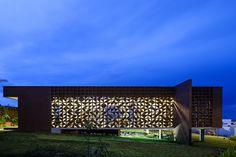 Casa Clara   1:1 Arquitetura Design   Image © Edgard Cesar