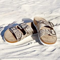 White Mountain Shoes Helga Natural Sandal