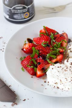 Aardbeien basilicum balsamico dessert recept