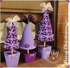 Little Purple Christmas Trees Purple Christmas Tree, Xmas Tree, Christmas Fun, Christmas Tables, Coastal Christmas, Diy Projects Handmade, Diy Crafts, Christmas Crafts, Christmas Decorations