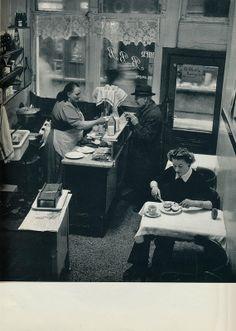 Kees van Wijk-koffiehuis Amsterdam 1957
