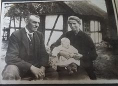Jan i Matylda z Anną Pałubiccy.Kamienica Królewska,Polska ,1934rok