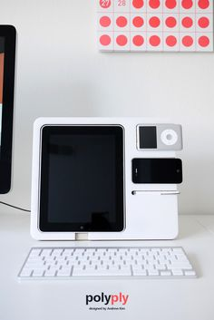Hey Polyply - iPad, iPhone and iPod Stand by Andrew Seunghyun Kim nice pin! Gadgets And Gizmos, Electronics Gadgets, Cool Gadgets, Ipod, Ipad Stand, Yanko Design, Cool Tech, New Phones, Apple Products
