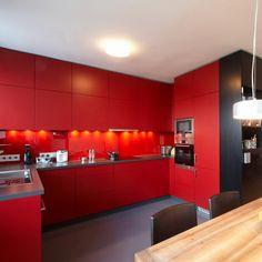 Červená matná kuchyňa Colorful Decor, Kitchen Cabinets, Home Decor, Decoration Home, Room Decor, Cabinets, Home Interior Design, Dressers, Home Decoration