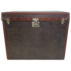 1930s Goyard Hat Trunk, Malle Goyard a Chapeaux    From a unique collection of antique and modern trunks and luggage at https://www.1stdibs.com/furniture/more-furniture-collectibles/trunks-luggage/