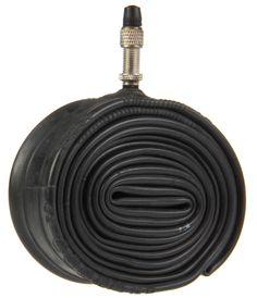 Halfords Binnenband 26 x 1 3/8 Blitz  Description: De binnenbanden van Halfords onderscheiden zich door een uitstekende prijs- kwaliteitverhouding. Deze Halfords binnenband is geschikt voor de maat 26 x 1 3/8 (ETRTO maat 37-590). Met name geschikt voor 26 inch stads- of tourfietsen. Uitgevoerd met een Blitz (Hollands) ventiel. De banden zijn gemaakt van hoogwaardig butyl; wat garant staat voor een lange luchtdichtheid. Door de hoge mate van elasticiteit is de band in staat je buitenband…
