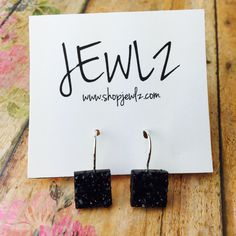 12MM BLACK SQUARE FRENCH LEVER BACK DANGLES IN SILVER