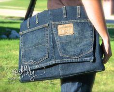 Bolsa carteiro feita com calça jeans reciclada - Artesanato | Cacareco