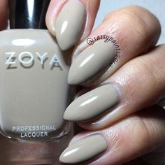@zoyanailpolish Noah: a  mid-range taupe evenly balanced between yellow and grey. This is from the Urban Grunge one coat creams fall 2016 collection.  This is a super old pic I never got around to posting which is why my nails are so short. Just trying to clear out my digital albums.  #cute_polish #dailydigits #iloveyournailss #nailporn #nailpolish #nailstagram #nailsofinstagram #queennails #realnails #stilettonails #sassypaints2012 #SassyPaintsZoya #ZoyaNailPolish