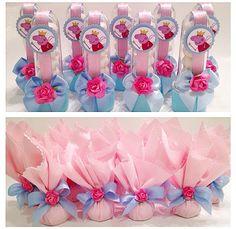 Tubetes e bombons na trouxinha de tecido personalizados com tema Peppa Pig - www.clakeka.blogspot.com