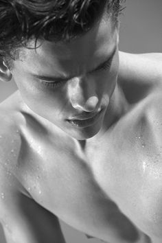 Explore the world of beauty with the Official Armani Beauty website. Luxury fragrances, makeup, gifts and skincare for women and men with expert tips. Man Photography, London Photography, Cute Male Models, Simon Nessman, Giorgio Armani Beauty, Bruce Weber, Body Issues, Body Fluid, Wet And Wild