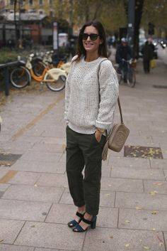 Spanish fashion blogger Gala Gonzalez carrying the Gucci Soho Disco Bag