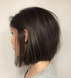 Tousled Blunt Brunette Bob Thin Hair Haircuts, Bob Hairstyles For Fine Hair, Layered Bob Hairstyles, Blunt Bob Haircuts, Blunt Hairstyles, Pixie Haircuts, Bob Hairstyles Brunette, Brunette Bob Haircut, Short Straight Haircut