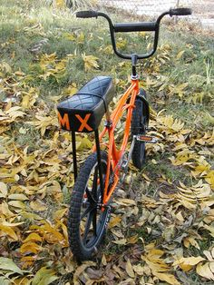 Cool Bicycles, Cool Bikes, Bmx Bicycle, Schwinn Bikes, Cruiser Bikes, Vintage Bmx Bikes, Scooter Helmet, New Motorcycles, Bicycle Women