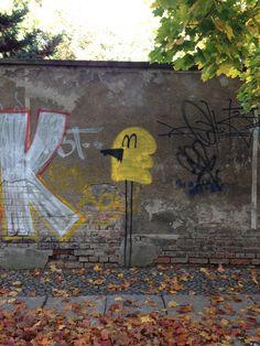 Ain't she tweet! #Streetart in #Berlin Street Art, Painting, Life, Inspiration, Biblical Inspiration, Painting Art, Paintings, Painted Canvas, Inspirational
