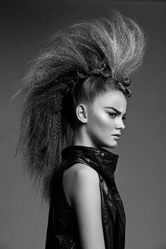 Attractive Crimped Hair Concepts that Will Make You Really feel Daring and Totally different. The are again, and so is voluminous crimped hair! Creative Hairstyles, Up Hairstyles, Punk Rock Hairstyles, Hairstyle Ideas, Avant Garde Hairstyles, Natural Hairstyles, Peinado Updo, Runway Hair, Catwalk Hair