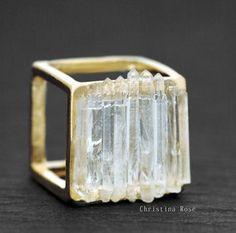 RAW QUARTZ RING Distressed Shiny Gold Cube Ring 6.5 or 7 - 11 Main
