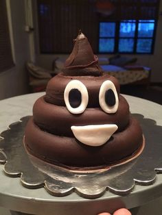 "Poop emoji cake take off the face and write ""Shit you're old"" on the cake. Doesn't need to look this nice. Just layer different size cakes and use chocolate frosting Cake Cookies, Cupcake Cakes, Emoji Cake, Birthday Cake Emoji, Birthday Kids, Happy Birthday, Cute Cakes, Creative Cakes, Party Cakes"