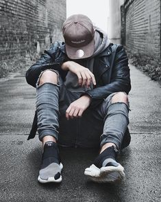 Cool Boy New Poses Pic Photography Poses Poses for boy Portrait Photography Men, Photography Poses For Men, Creative Photography, Street Photography, Alone Photography, Photography Magazine, Nature Photography, Fashion Photography, Poses Pour Photoshoot