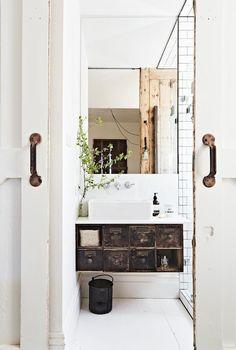 Etc Inspiration Blog Modern Rustic Master Suite Via Vintage House Daylesford Bathroom Vanity photo Etc-Inspiration-Blog-Modern-Rustic-Master-Suite-Via-Vintage-House-Daylesford-Bathroom-Vanity-1.jpg