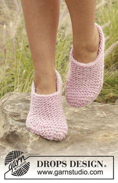 "Knitted DROPS slippers in garter st in ""Eskimo"". Free Pattern"