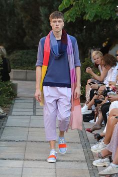 Male Fashion Trends: Marcel Ostertag Spring-Summer 2019 - Berlin Fashion Week Marcel, Fashion Show, Male Fashion, Fashion Trends, Vogue, Spring Summer, Berlin Fashion, Scarves, How To Wear