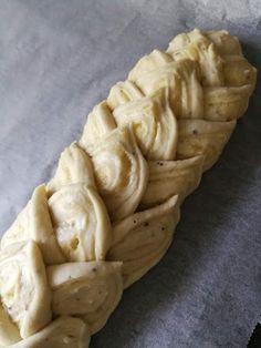 Kakkuviikarin vispailuja!: Pullat Charlotte Russe, Pie, Vegetables, Desserts, Recipes, Cupcakes, Food, Torte, Tailgate Desserts