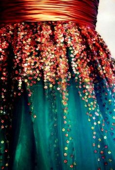 I don't know what the rest of the dress looks like, but I imagine it to be quite resplendent.