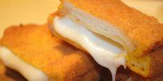 La mozzarella in carrozza è una tipica ricetta della campania è composta da due…