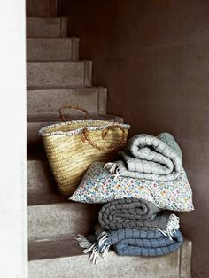 Bilde av TINE K HOME YOGAMATTE QUILTET TEPPE Tiny House Stairs 3655c6560eb68