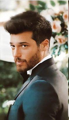 Nice Outfits For Men, Casual Wear For Men, Turkish Men, Turkish Actors, Beautiful Men Faces, Gorgeous Men, Smart Men, Blackpink Photos, Hot Hunks