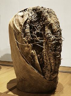 Schizoid Heads 1973-75, Burlap and hemp rope on metal support // Magdalena Abakanowicz