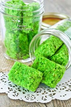 These fragrant and delicious Pandan Coconut Candy flavored with pandan paste are sure to delight. Can be made ahead for all your parties and gatherings. Asian Desserts, Asian Recipes, Sweet Recipes, Ethnic Recipes, Malaysian Dessert, Malaysian Food, Easy Cookie Recipes, Candy Recipes, Rice Recipes